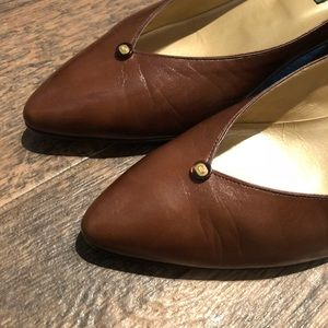 Gucci Shoes - Vintage GUCCI Brown LEATHER Kitten HEEL PUMPS 39.5